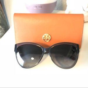 TORY Burch Cat eye sunglasses - Gray